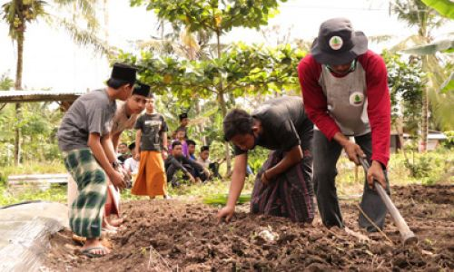 Religious Instructors at Forefront of Environmental Conservation